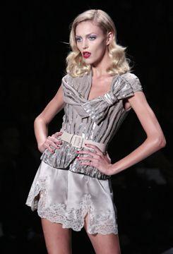 picsrv-11.fashionweekdaily.com