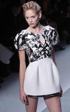 picsrv-2.fashionweekdaily.com