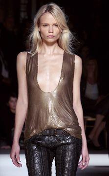 picsrv-9.fashionweekdaily.com
