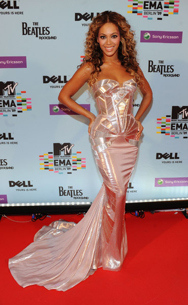 singer-beyonce-knowles-arrives-for-the-2009-mtv-europe-music-awards2